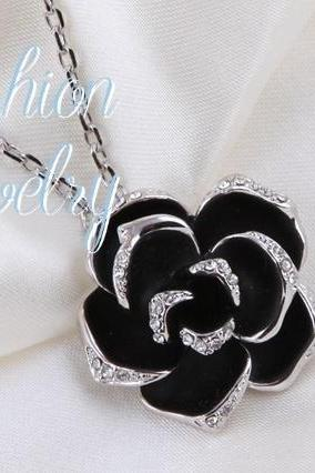 Top Quality Jewelry Black Rose Fashion Pendant / Necklace 18K White Gold Plated with Austrian Crystal