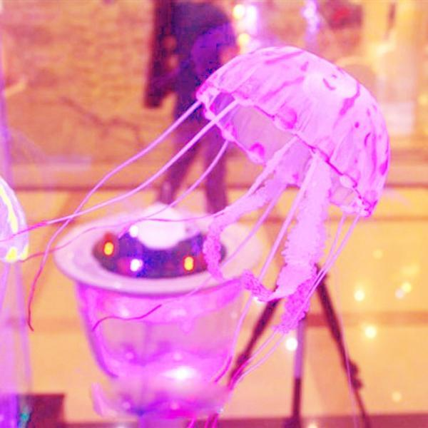 "5.5"" Glowing Effect Aquarium Artificial Jellyfish Ornament Fish Tank Decoration 1pcs (Color: Pink)"